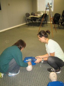 Artificial-respiration-CPR-two-persons-224x300
