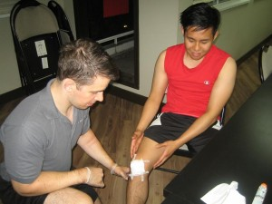 First-Aid-for-a-Cut-on-the-knee